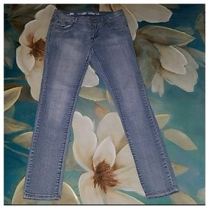 Mossimo NWOT Skinny Jeans Size 5 Juniors